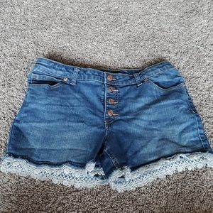 2 for $10 Cat & Jack lacey girls shorts 18